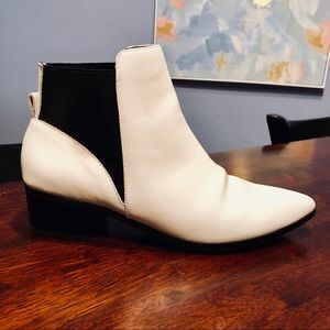 Halogen White Leather Pointy Toe Boot
